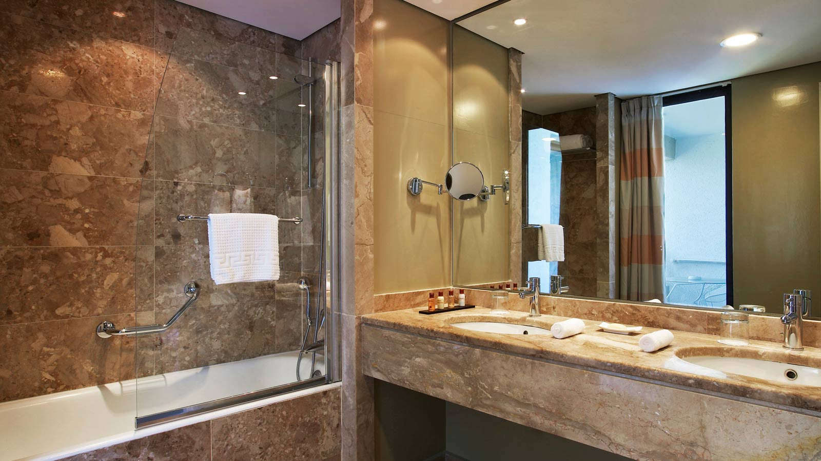 The Sheraton En Suite Bathroom: Sheraton Rhodes Resort